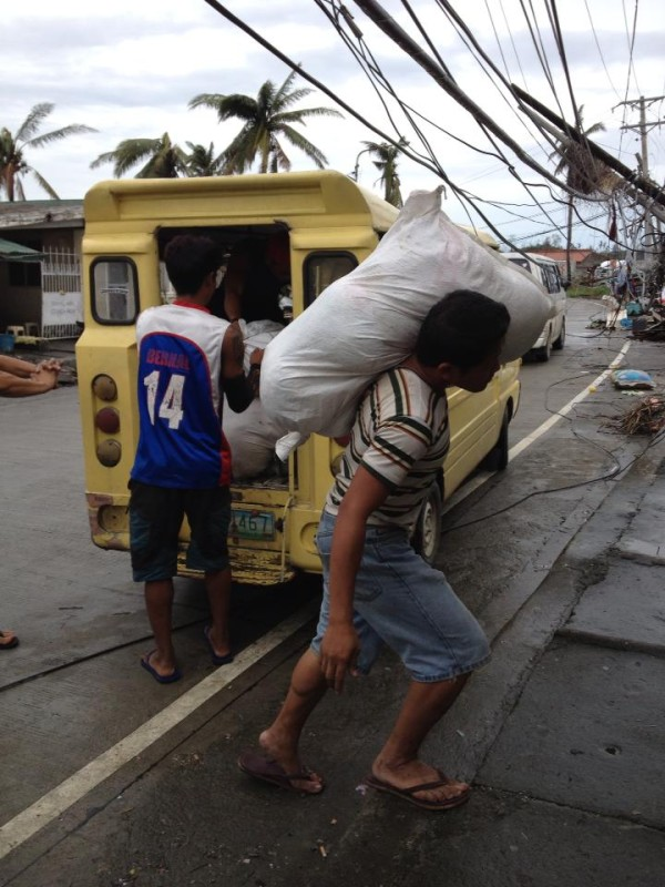 More goods for Tacloban. Photo by Rochelle de Leon.